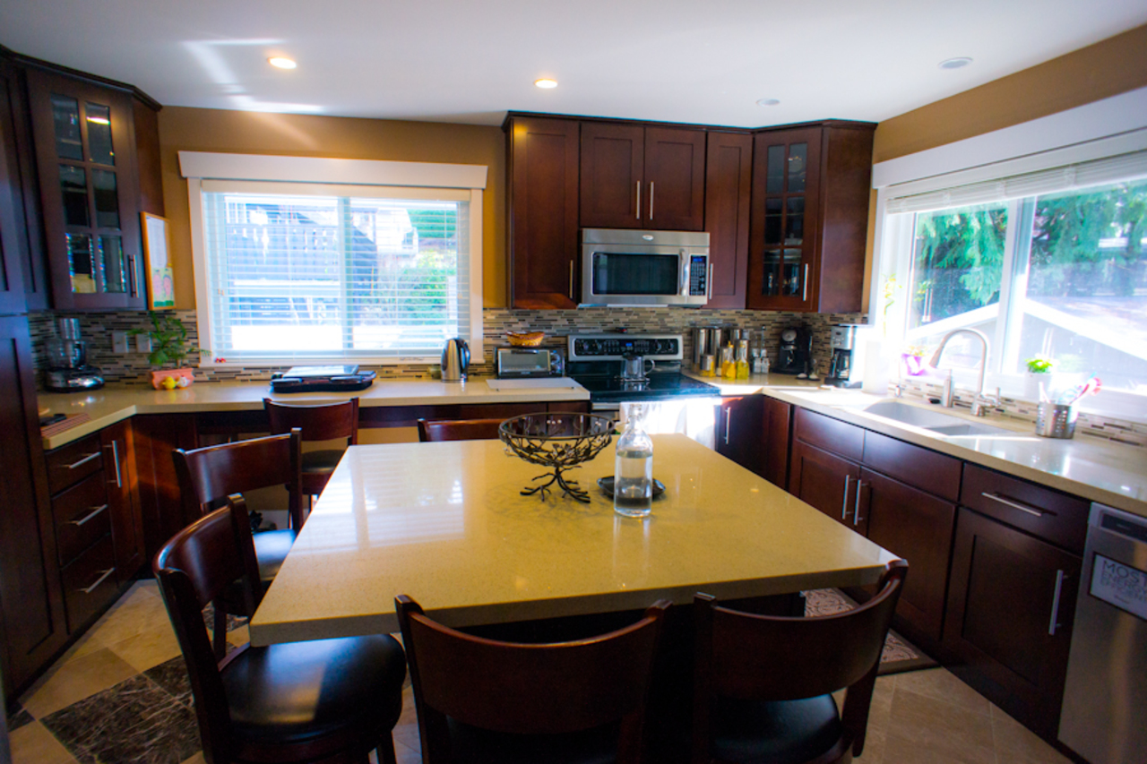3 at 583 Dolores Place, Upper Delbrook, North Vancouver