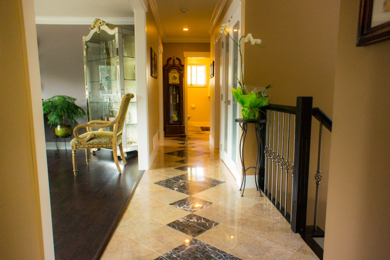 9 at 583 Dolores Place, Upper Delbrook, North Vancouver