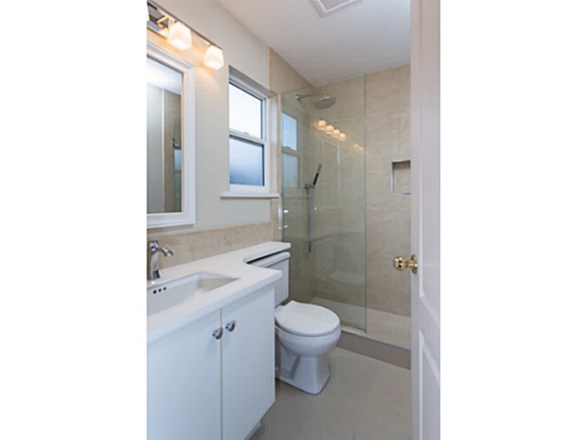 image-260739624-14.jpg at 2 - 1818 Chesterfield Ave, Central Lonsdale, North Vancouver