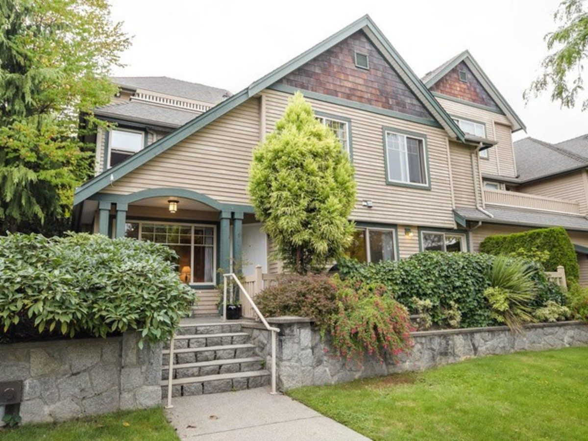 image-261238959-1.jpg at 1 - 222 East 5th Street, Lower Lonsdale, North Vancouver