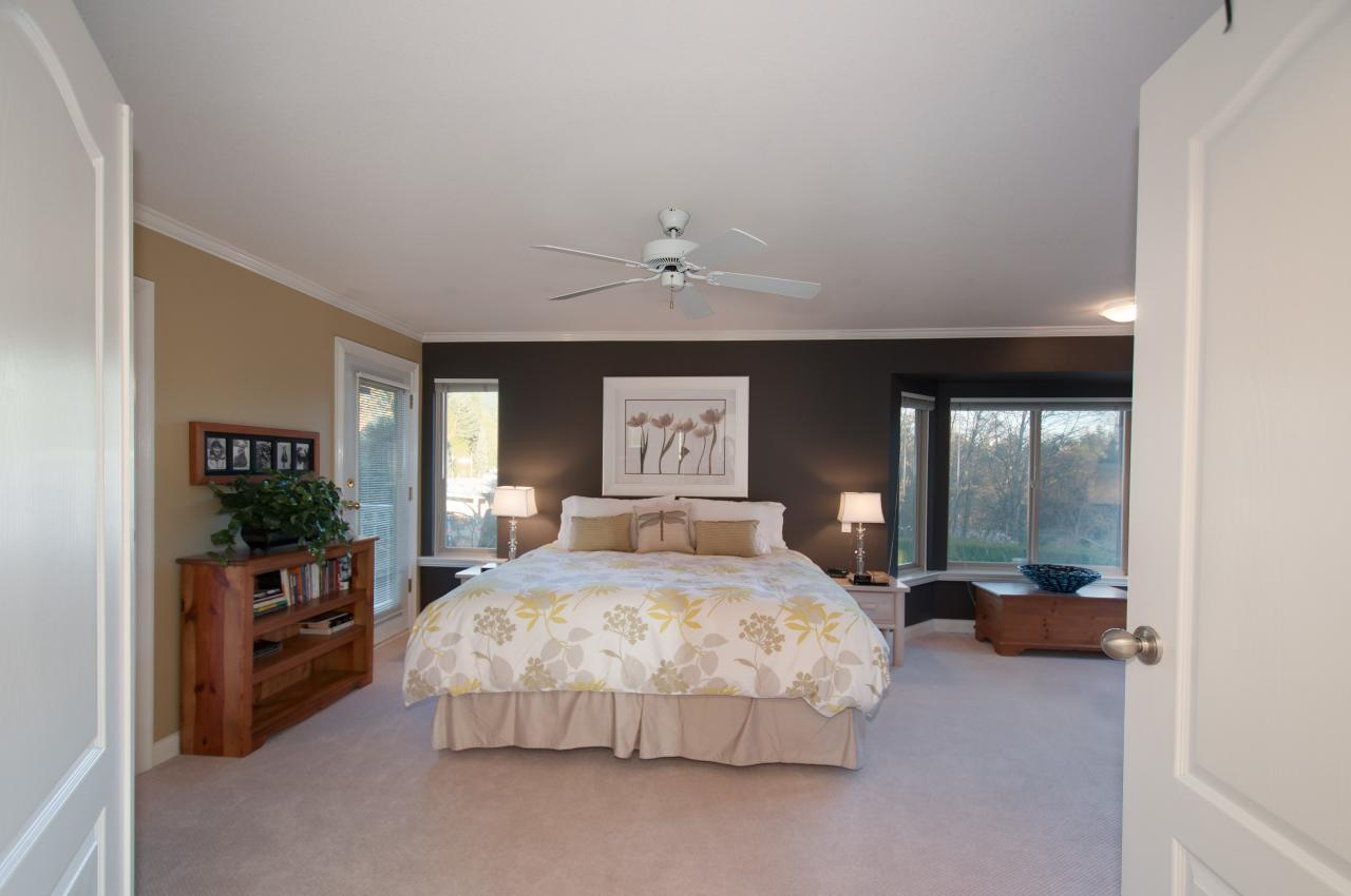 024 at 1279 Eldon Road, Canyon Heights NV, North Vancouver