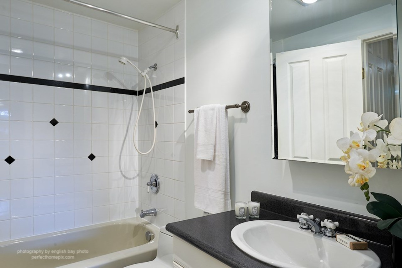 11.jpg at 108 - 210 W 2nd Street, Lower Lonsdale, North Vancouver