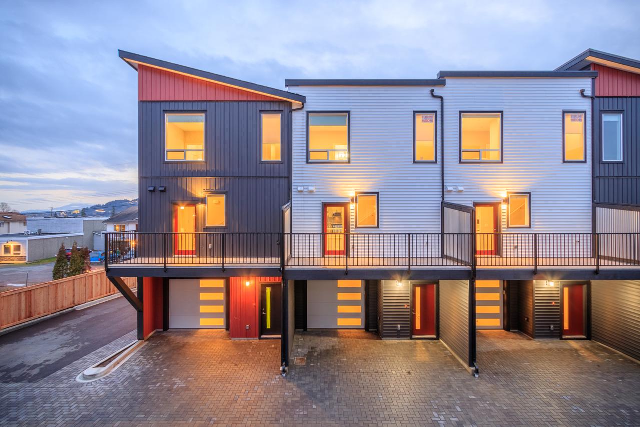 building-1-rear at 101 - 1726 Kerrisdale Road, Central Nanaimo, Nanaimo