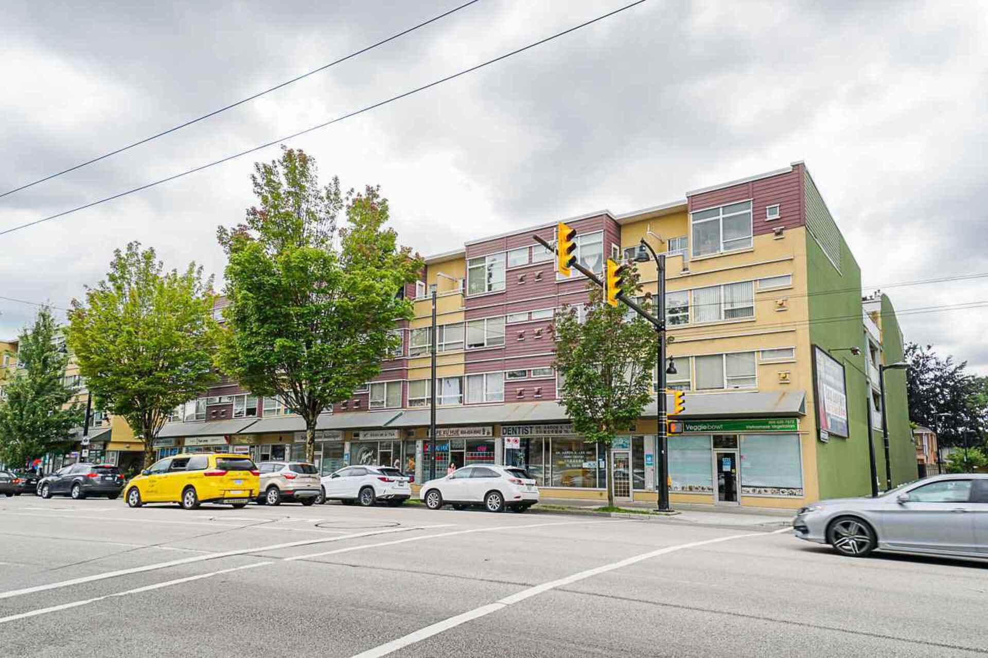 215 - 2238 Kingsway, Victoria VE, Vancouver East