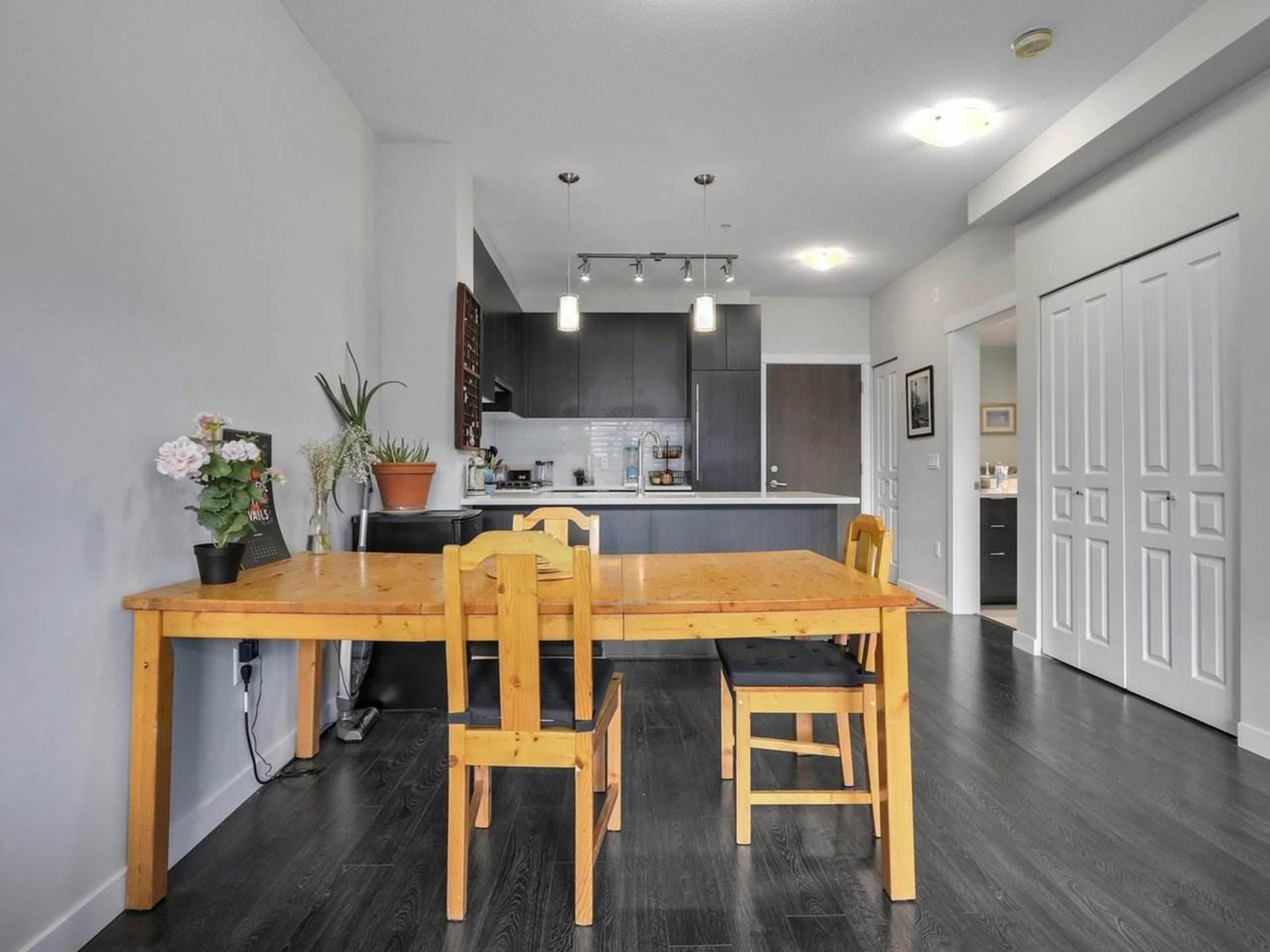 9388-tomicki-avenue-west-cambie-richmond-04