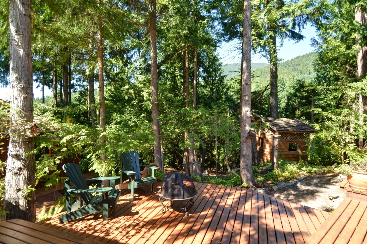 Nature abound at 4709 Woodgreen Drive, Cypress Park Estates, West Vancouver