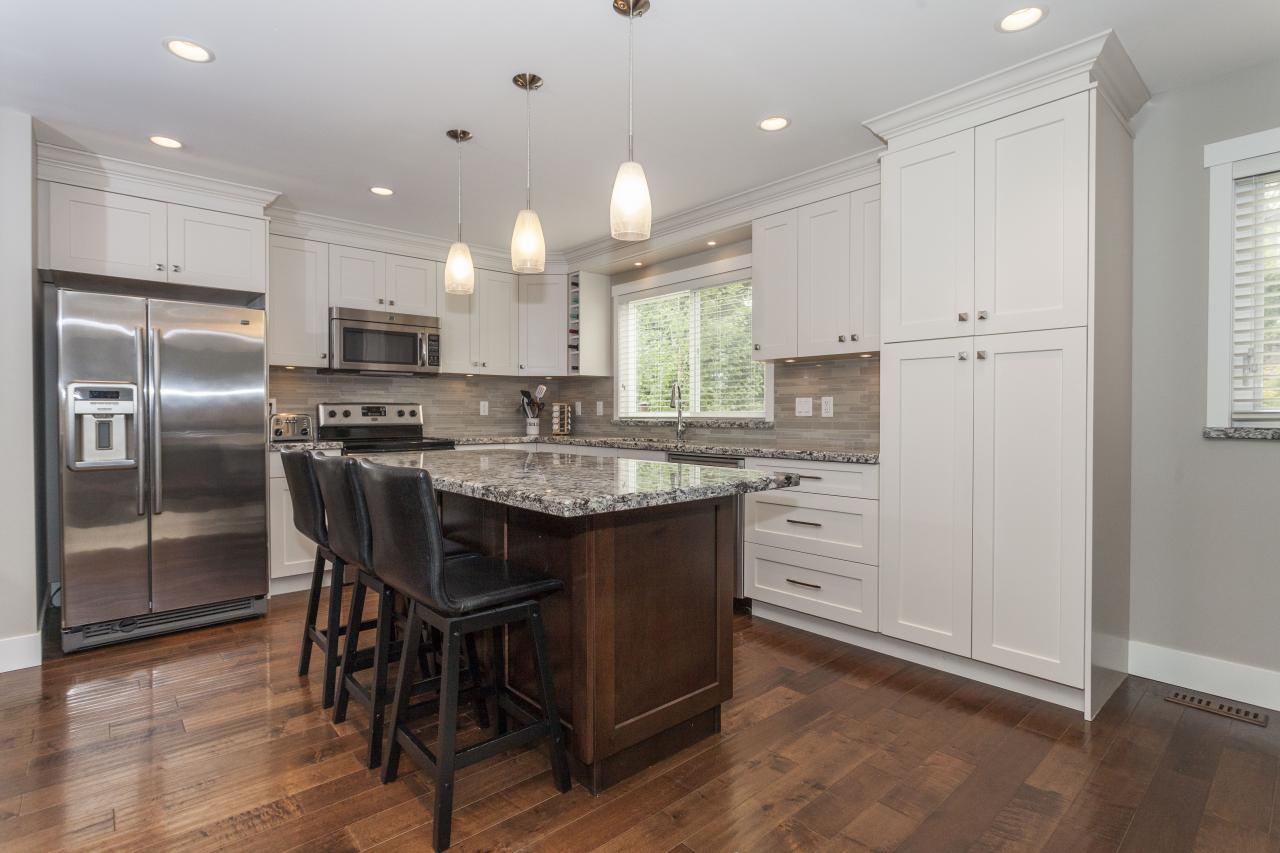 Kitchen Island at 3961 Pimlico Place, Oxford Heights, Port Coquitlam
