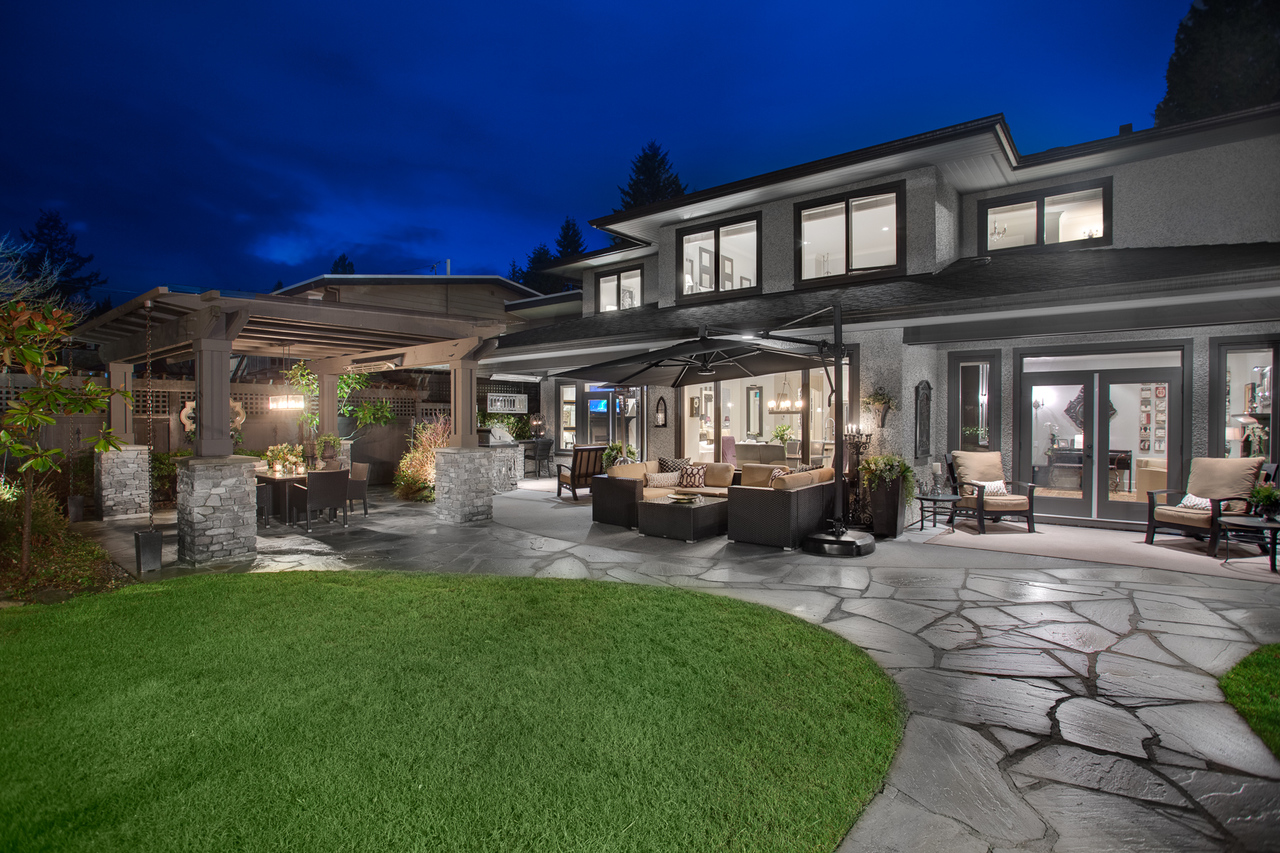at 943 Beaumont Drive, Edgemont, North Vancouver