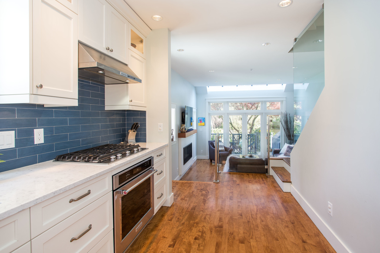 at 3243 West 6th Avenue, Kitsilano, Vancouver West