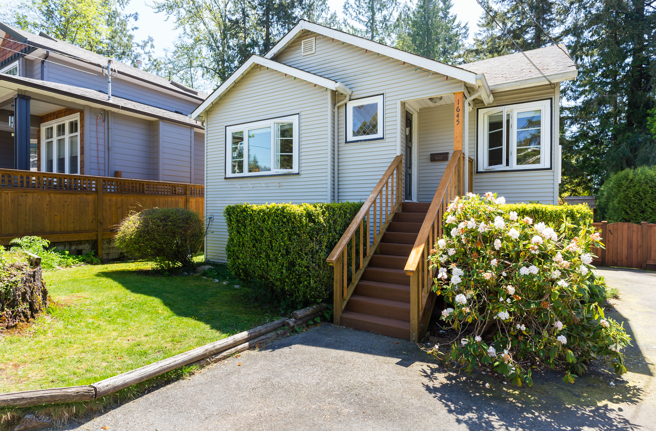 1645 Dempsey Road, Lynn Valley, North Vancouver