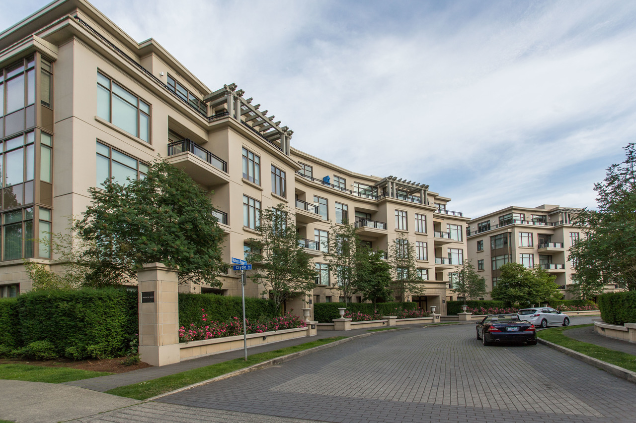 301 - 526 Waters Edge Crescent, Park Royal, West Vancouver