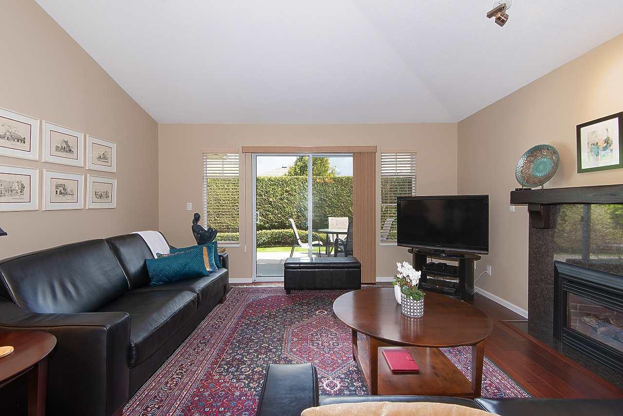9208-208-street-walnut-grove-langley-02 at 4 - 9208 208 Street, Walnut Grove, Langley