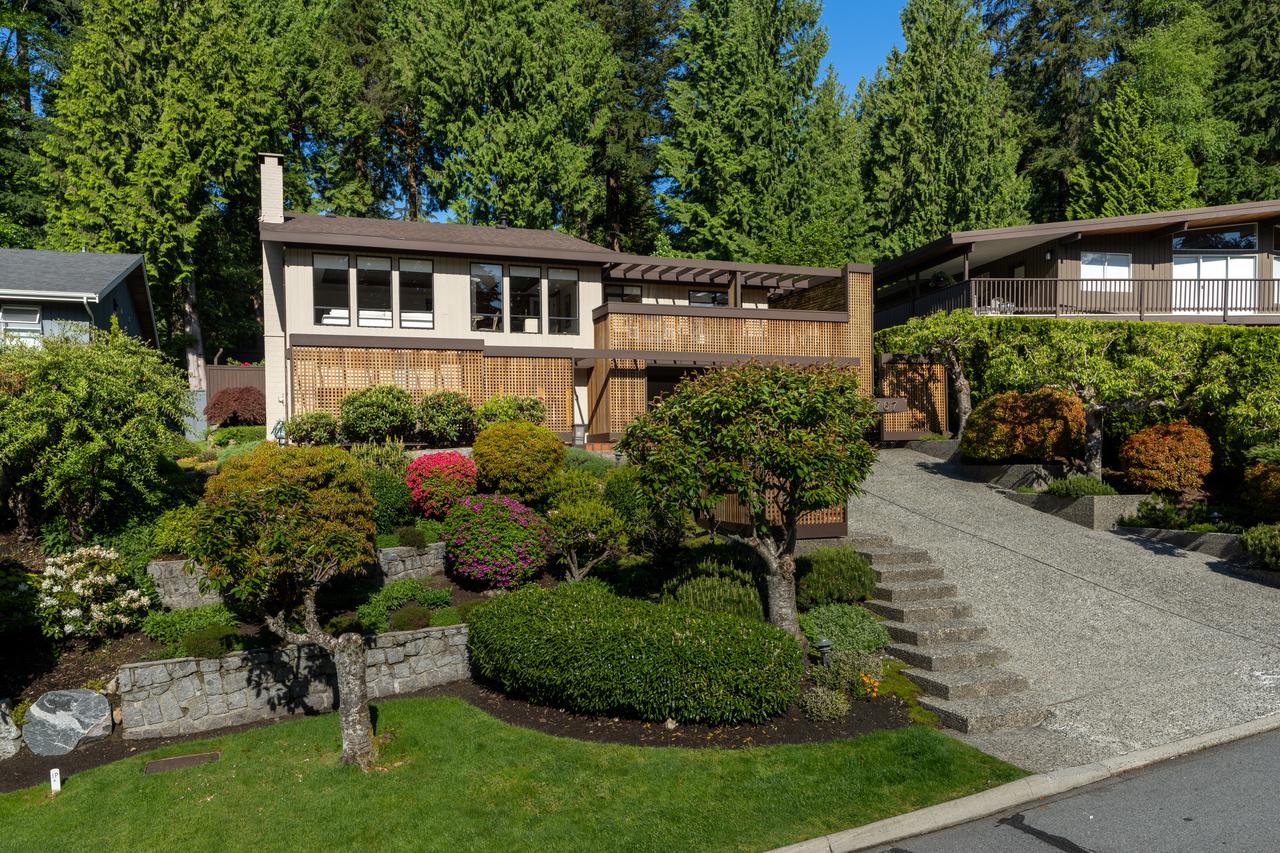 3767 Regent Avenue, Upper Lonsdale, North Vancouver