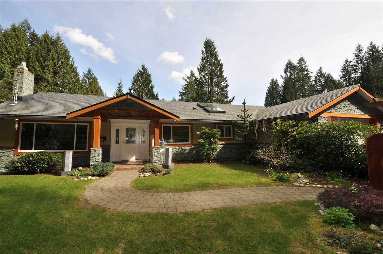 4242 Fonteyn Way, Canyon Heights NV, North Vancouver