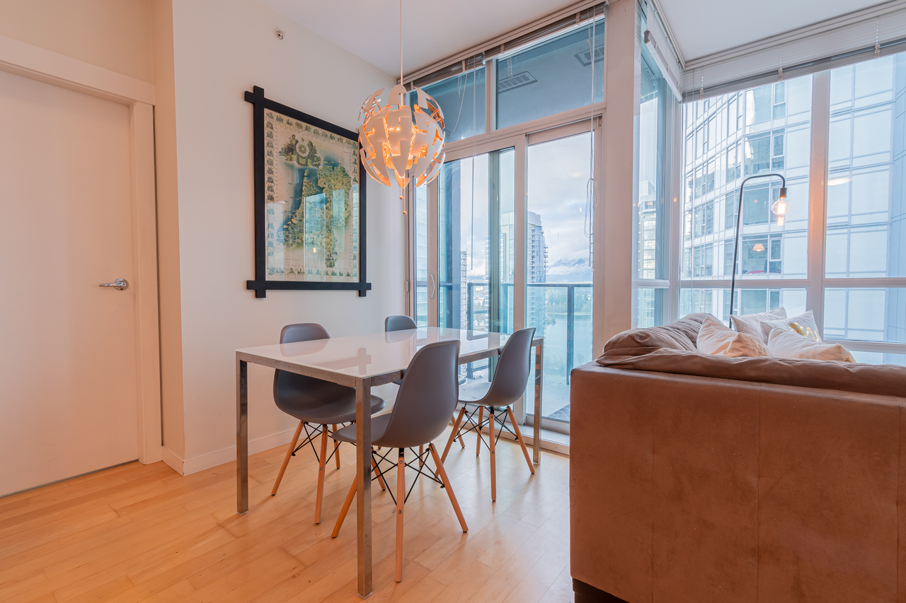 20 at 2002 - 1189 Melville Street, Coal Harbour, Vancouver West