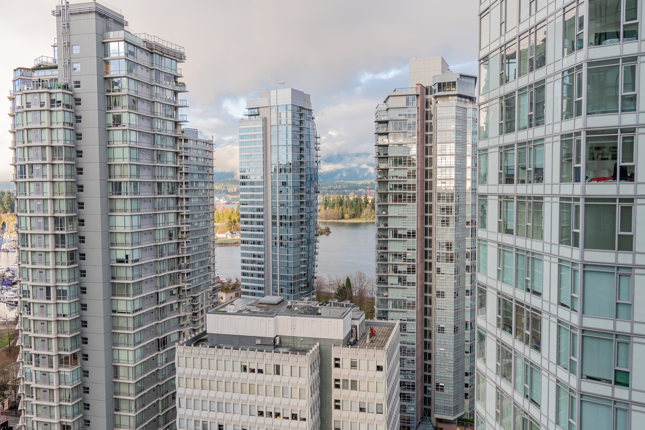 24 at 2002 - 1189 Melville Street, Coal Harbour, Vancouver West