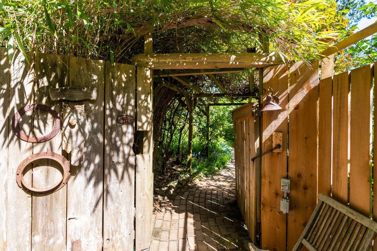 1273-hiking-trail-9817 at 1273 Hikers Trail, Bowen Island