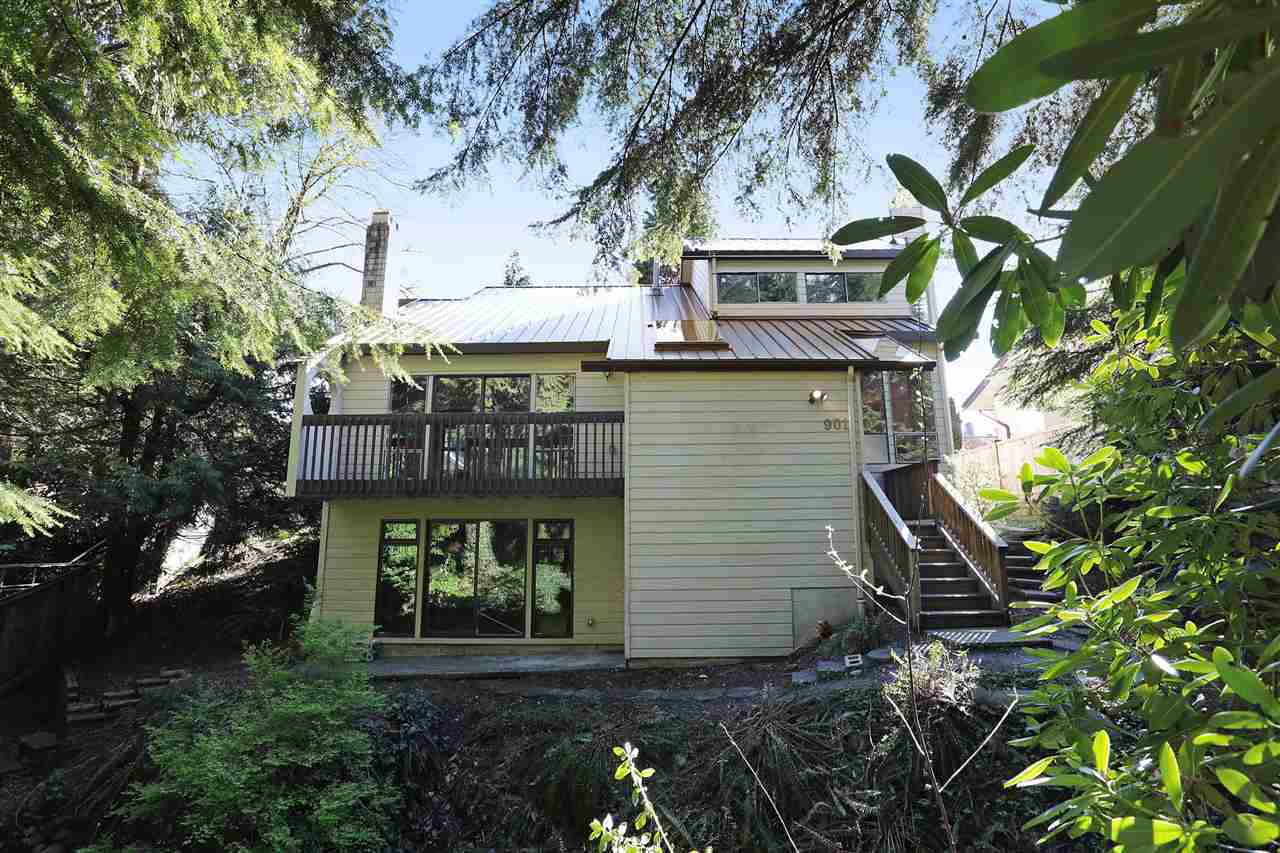 901 Forest Hills Drive, Edgemont, North Vancouver