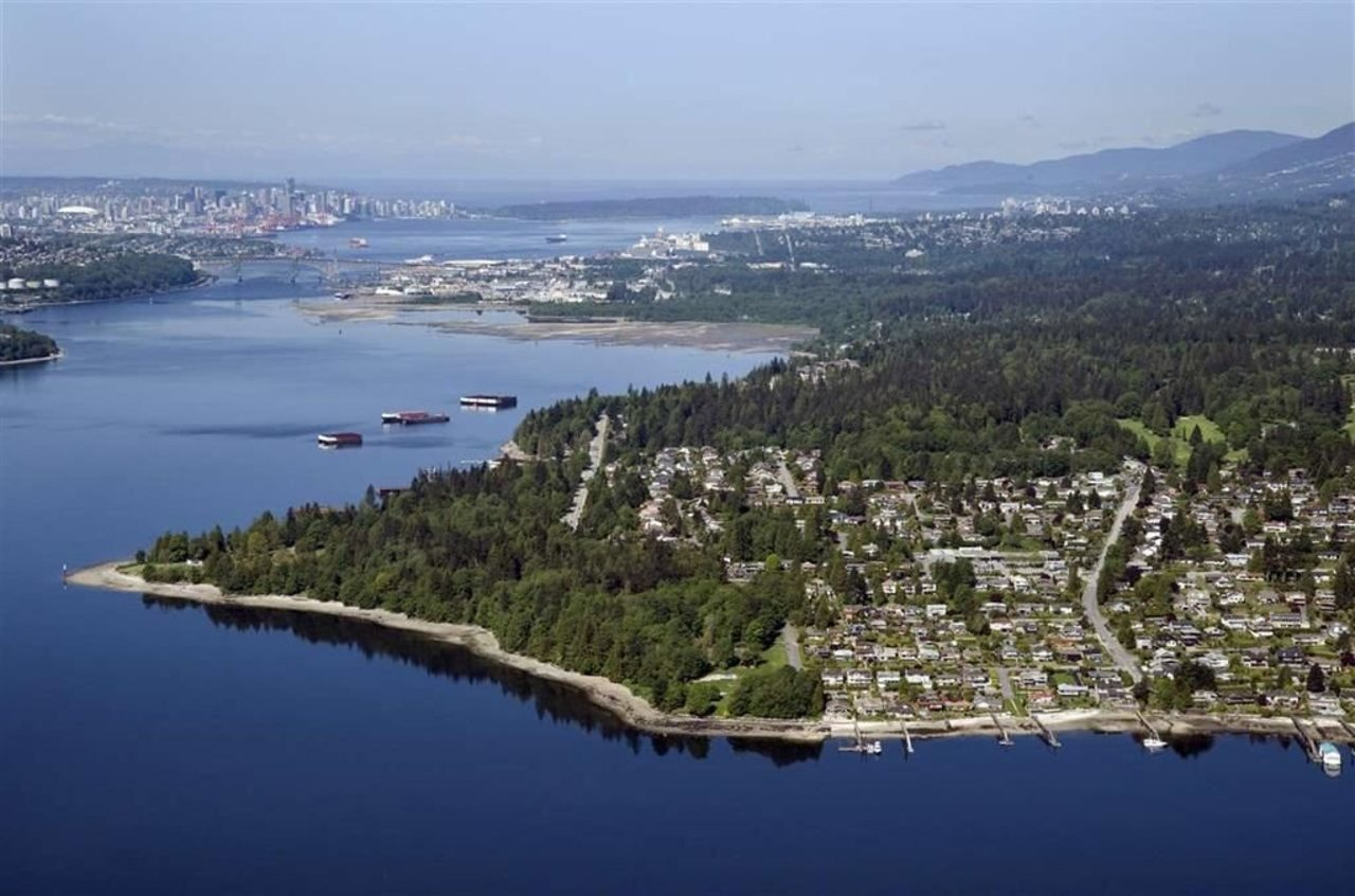 351 Beachview Drive, Dollarton, North Vancouver