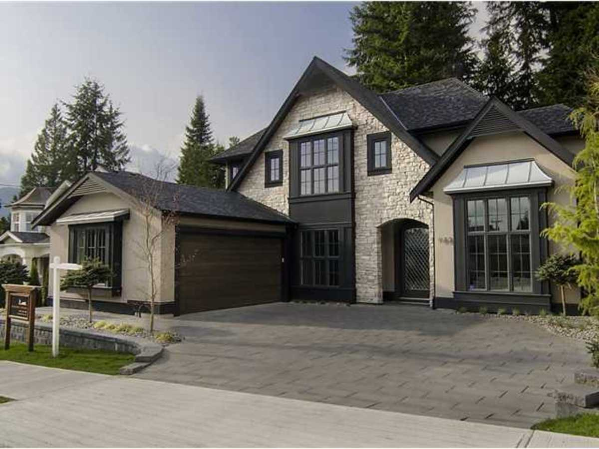 932 Handsworth Road, Canyon Heights, North Vancouver