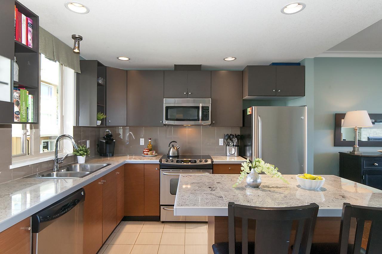 728-w-14th-street-hamilton-north-vancouver-10