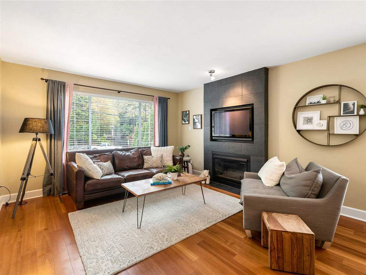 3735-hoskins-road-lynn-valley-north-vancouver-01