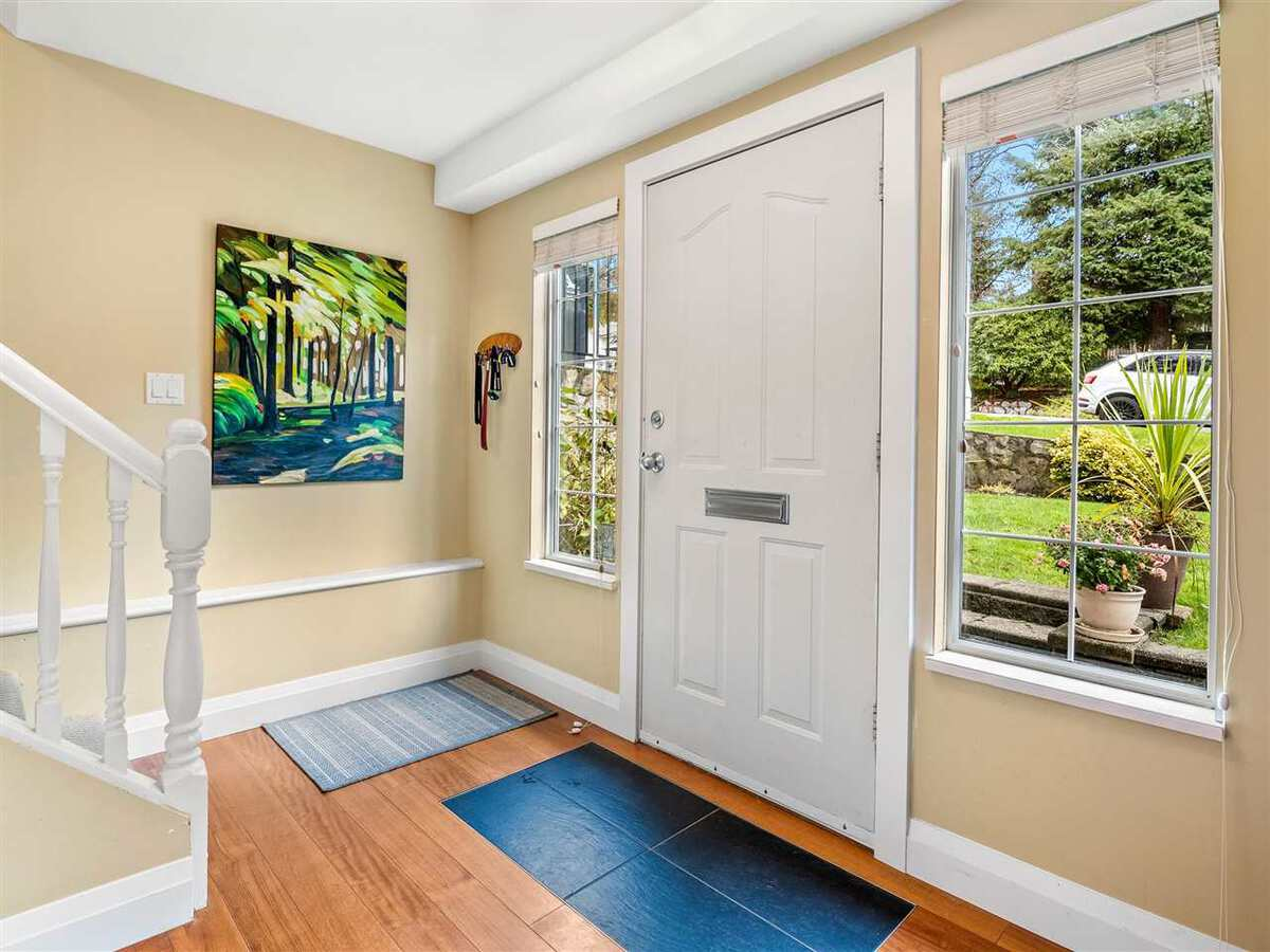 3735-hoskins-road-lynn-valley-north-vancouver-18