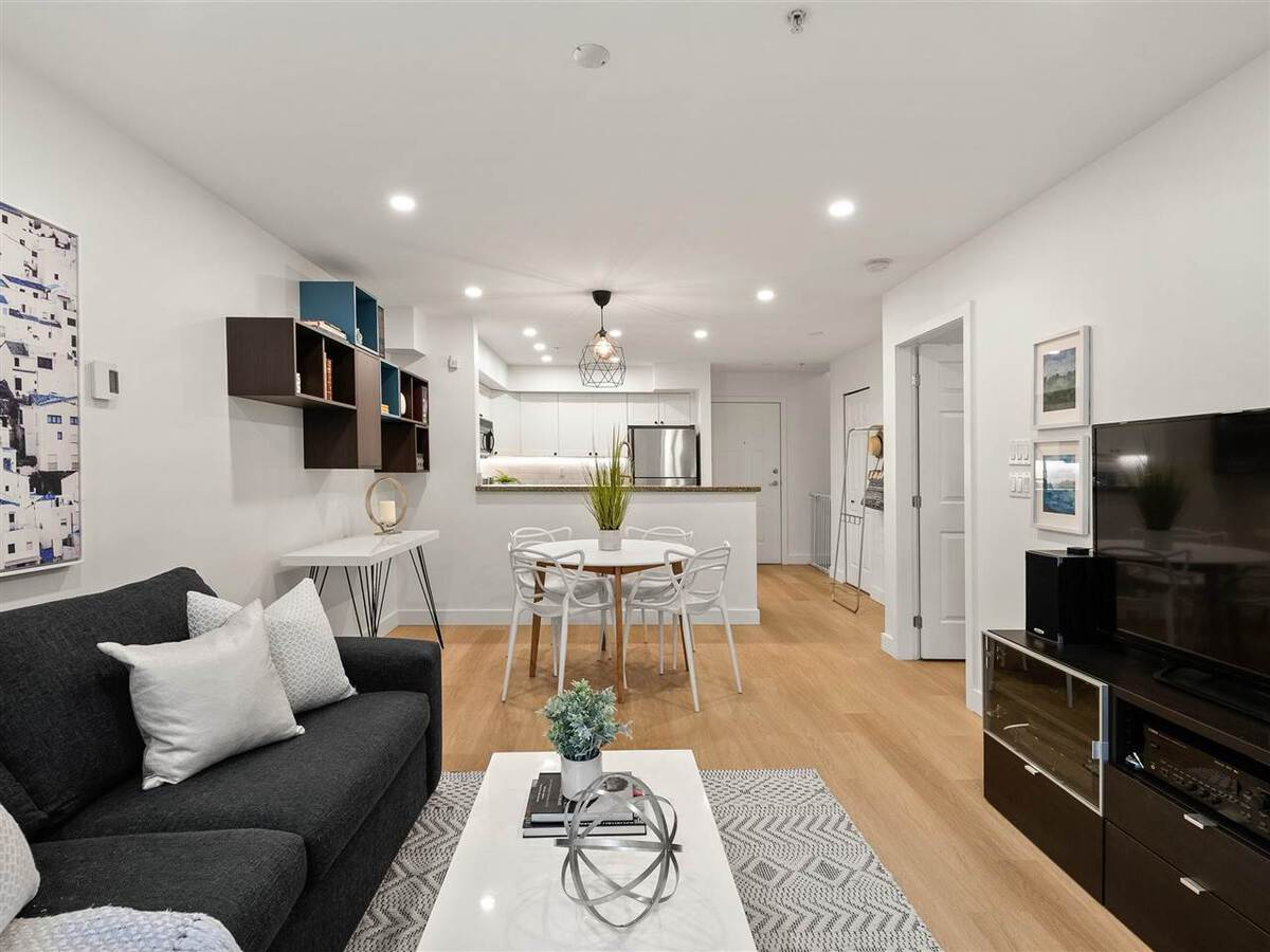 345-lonsdale-avenue-lower-lonsdale-north-vancouver-01
