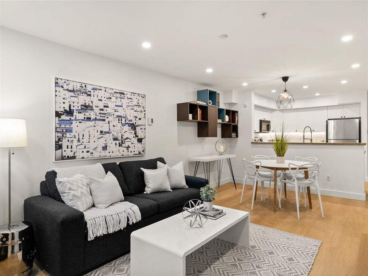 345-lonsdale-avenue-lower-lonsdale-north-vancouver-02