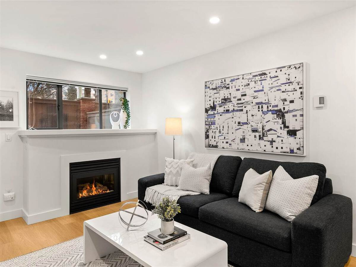 345-lonsdale-avenue-lower-lonsdale-north-vancouver-04