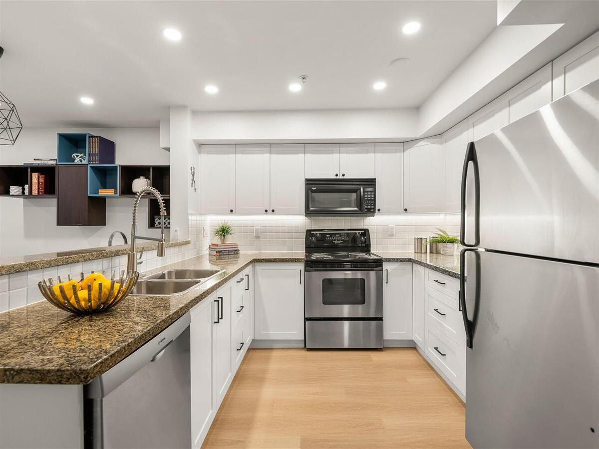 345-lonsdale-avenue-lower-lonsdale-north-vancouver-06