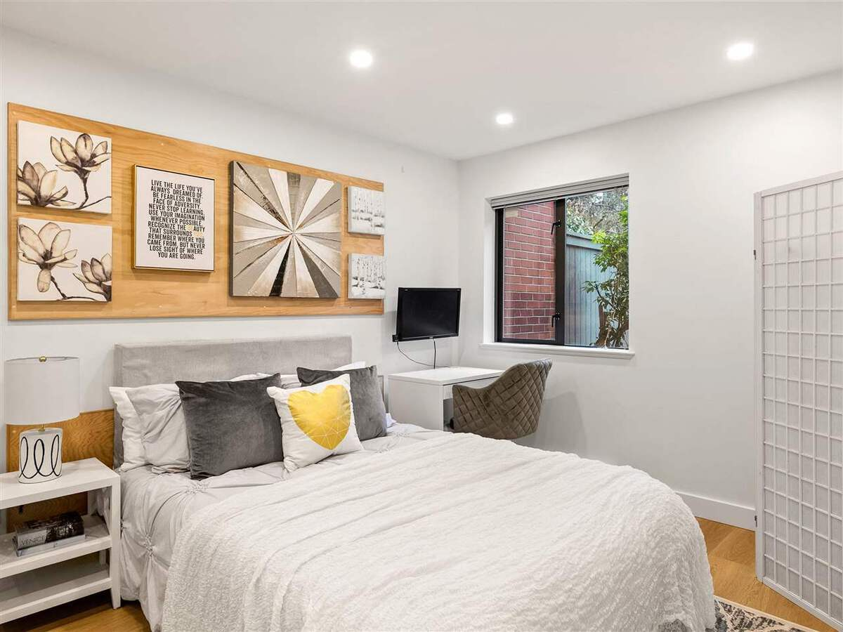345-lonsdale-avenue-lower-lonsdale-north-vancouver-07