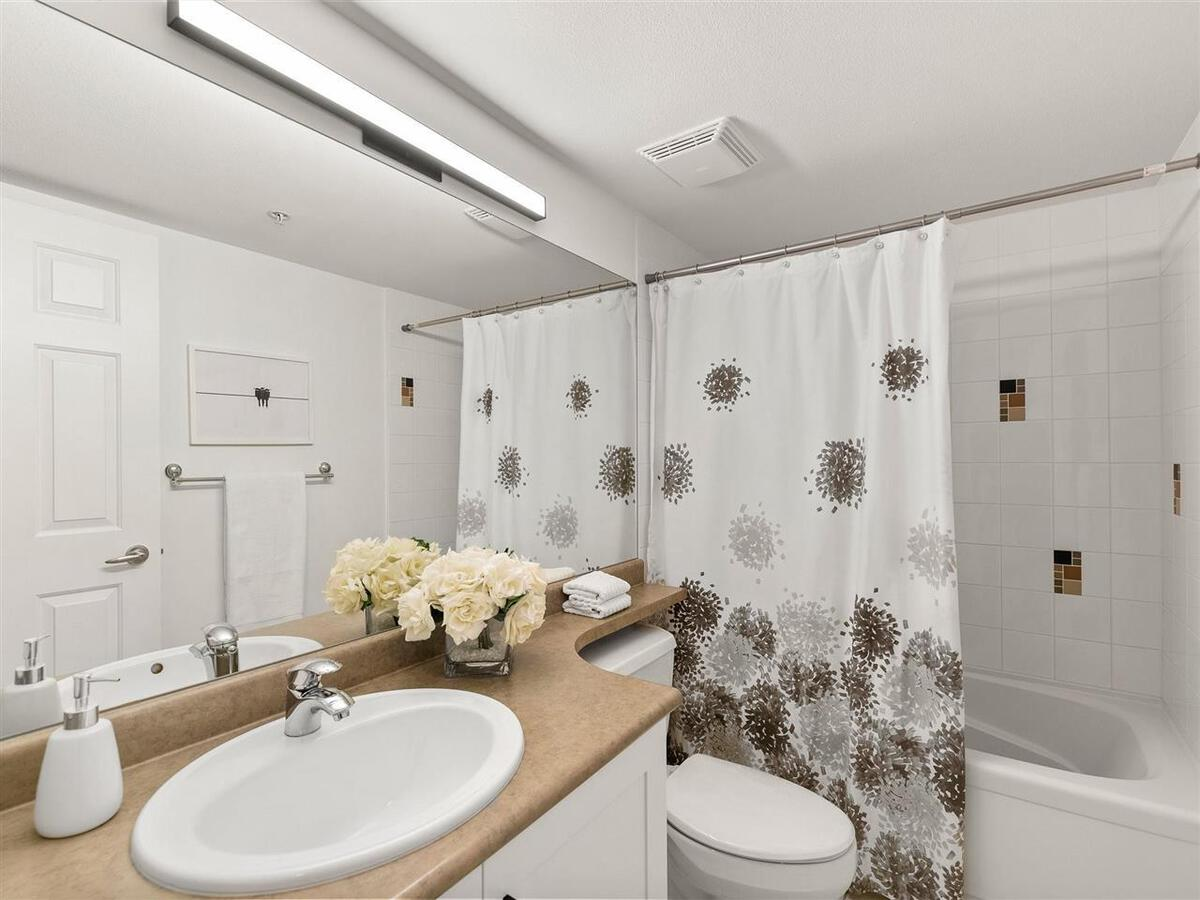 345-lonsdale-avenue-lower-lonsdale-north-vancouver-09