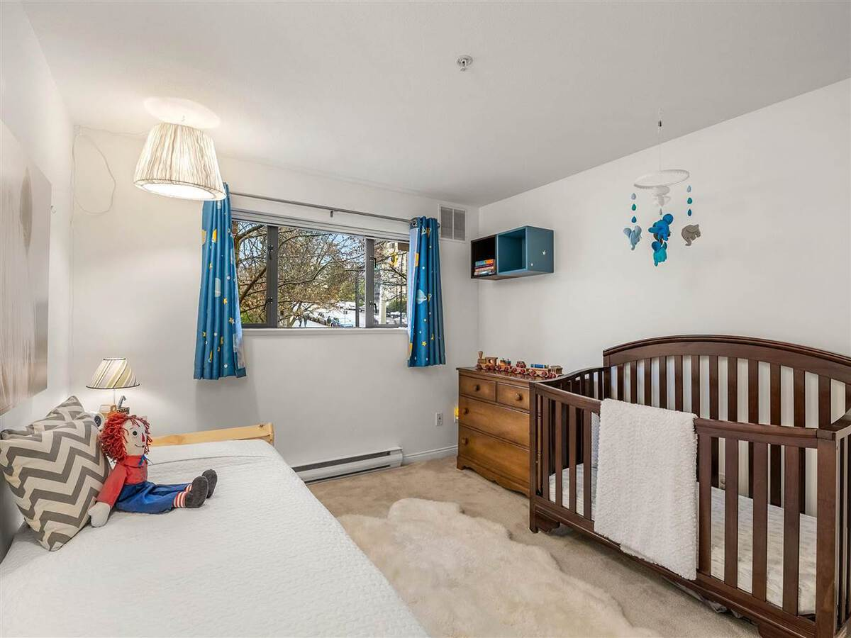 345-lonsdale-avenue-lower-lonsdale-north-vancouver-11