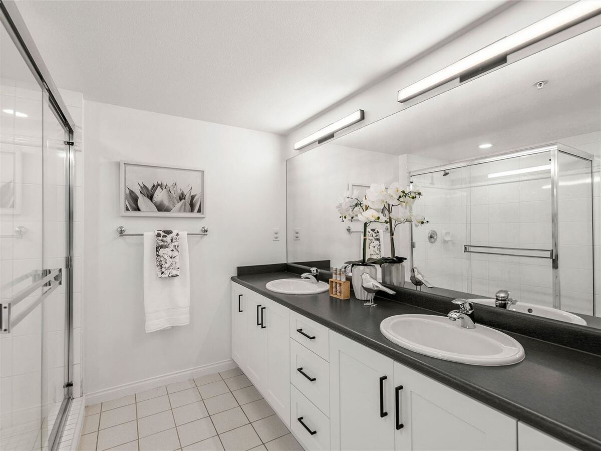345-lonsdale-avenue-lower-lonsdale-north-vancouver-16