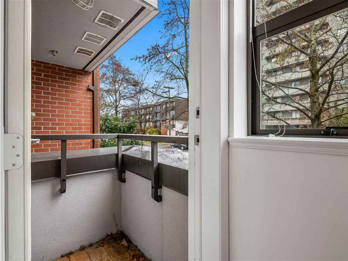 345-lonsdale-avenue-lower-lonsdale-north-vancouver-17