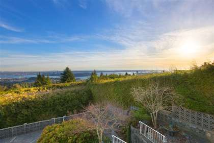 7 at 1416 Sandhurst, Chartwell, West Vancouver