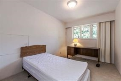 10 at 1840 Mathers Avenue, Ambleside, West Vancouver