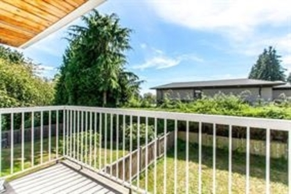 15 at 1840 Mathers Avenue, Ambleside, West Vancouver