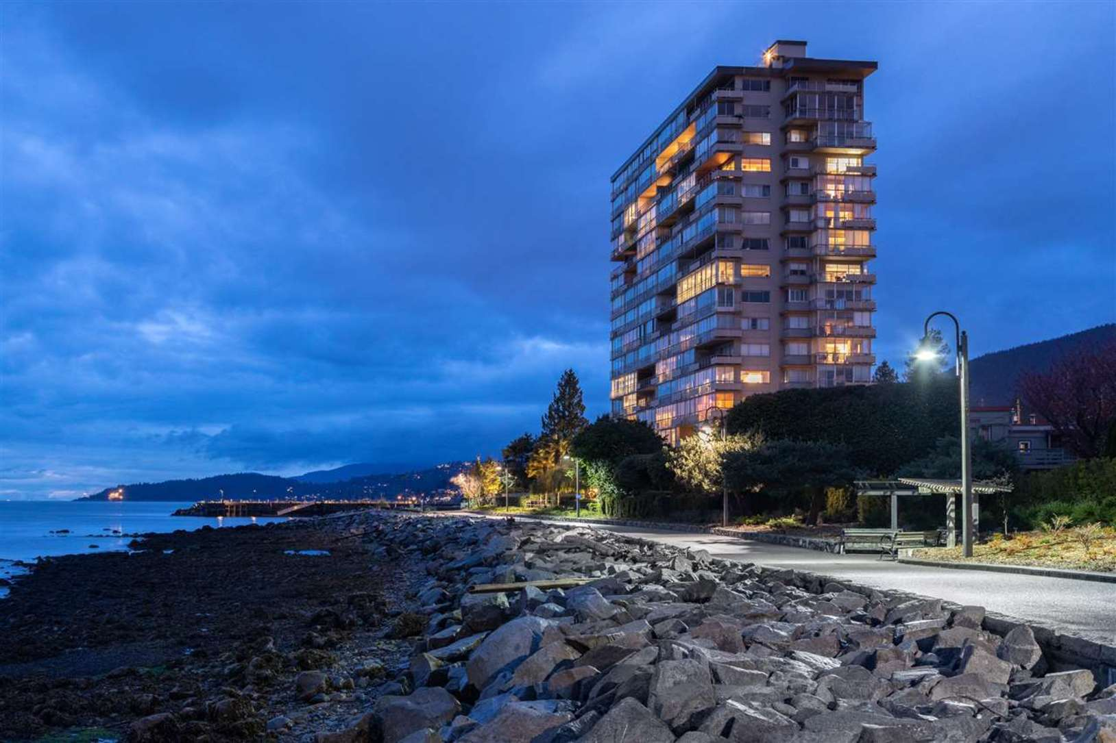150-24th-street-dundarave-west-vancouver-01 at 902 - 150 24th Street, Waterfront (Dundarave), West Vancouver