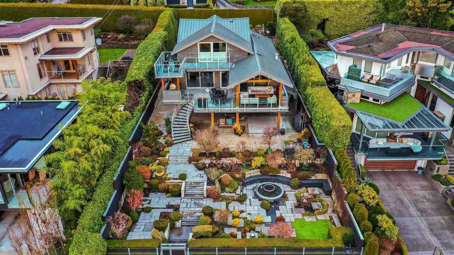 2771-bellevue-avenue-dundarave-west-vancouver-02 at 2771 Bellevue Avenue, Dundarave, West Vancouver