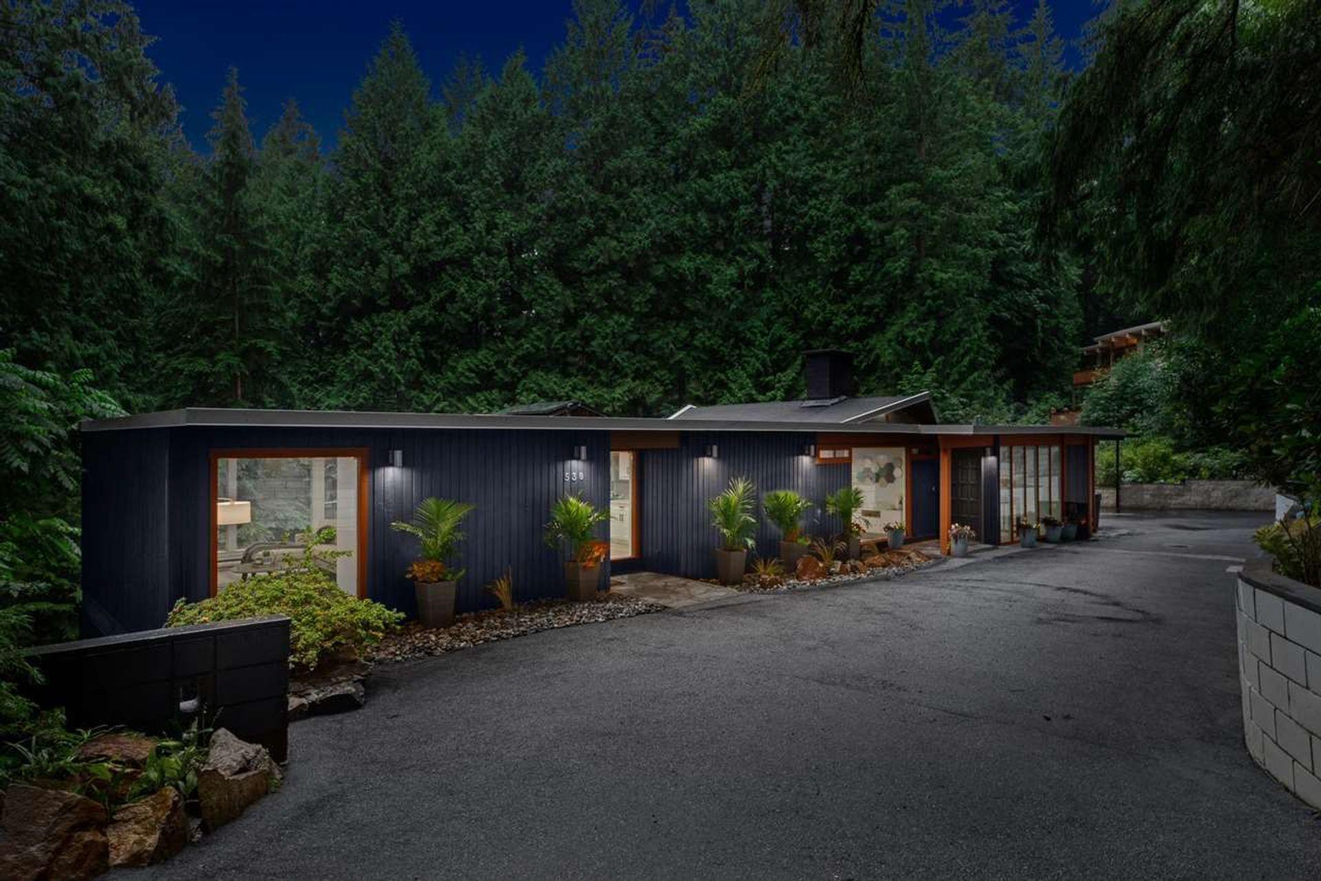 530-hadden-drive-british-properties-west-vancouver-01 at 530 Hadden Drive, British Properties, West Vancouver