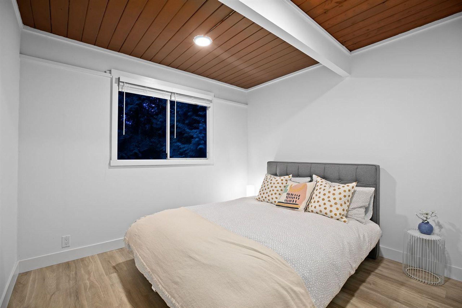 530-hadden-drive-british-properties-west-vancouver-13 at 530 Hadden Drive, British Properties, West Vancouver