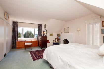 412-hillcrest-street-westmount-wv-west-vancouver-05 at 412 Hillcrest Street, Westmount WV, West Vancouver