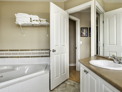 Master Bathroom at 3023 Maplewood Court, Westwood Plateau, Coquitlam