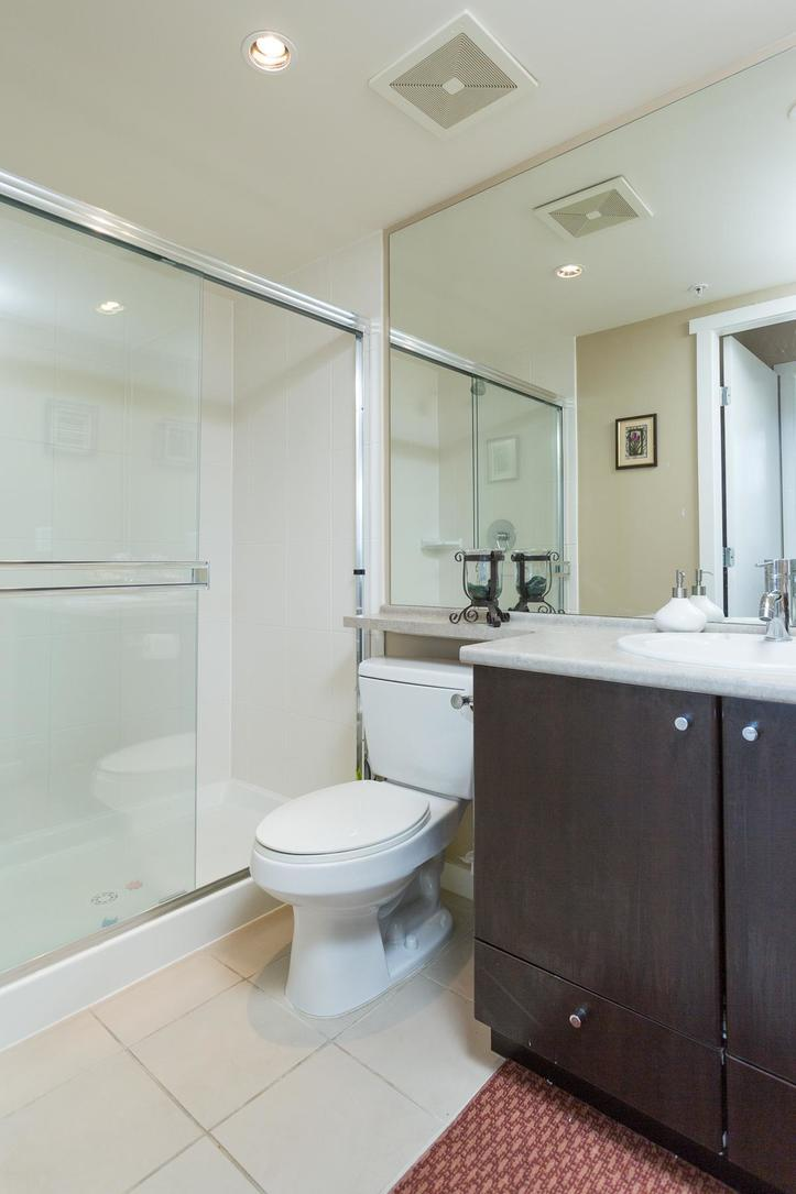 Bath at 1802-651 Nootkaway Street, Port Moody