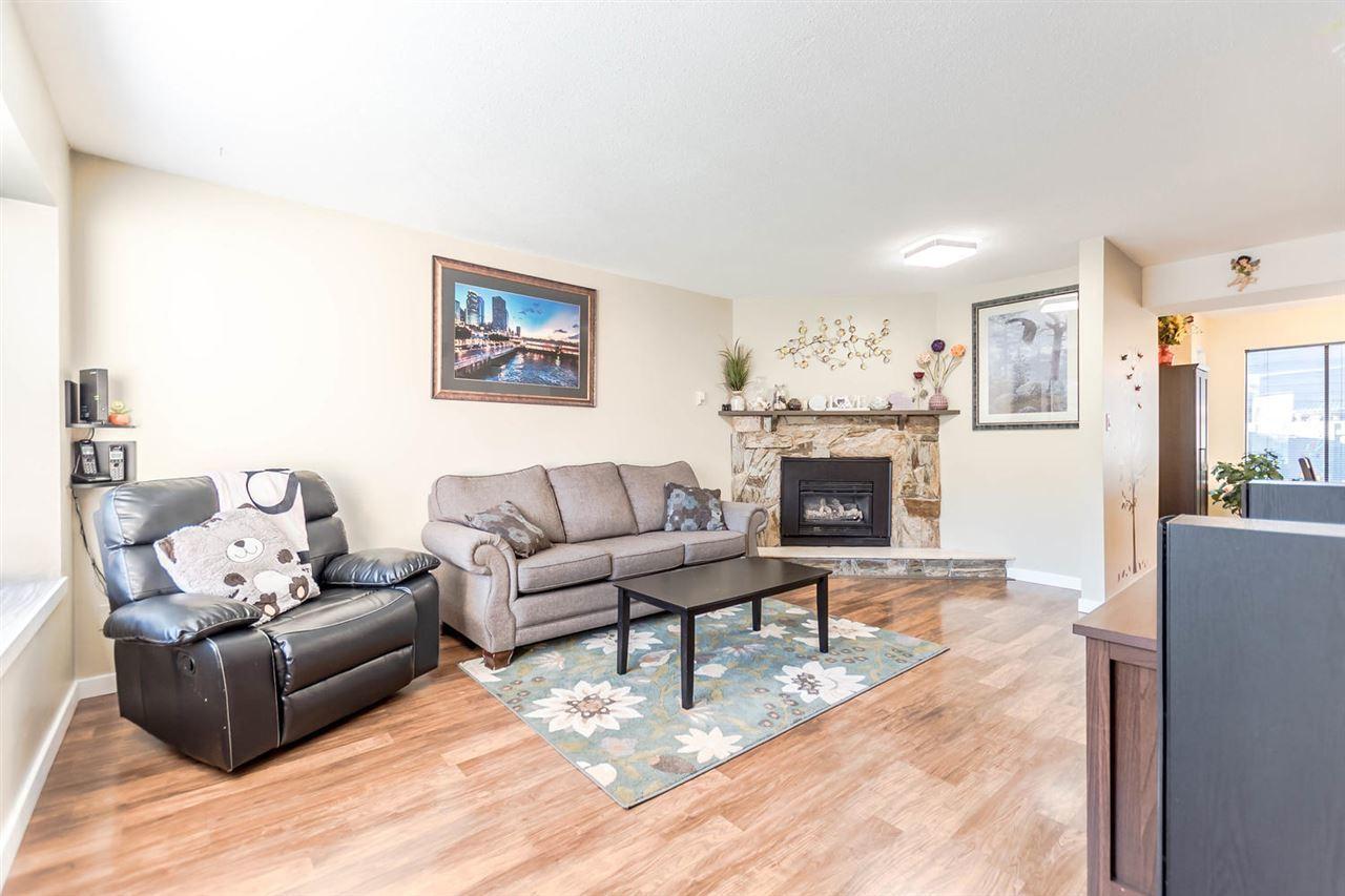 21550-cherrington-avenue-northwest-maple-ridge-maple-ridge-04 at 30 - 21550 Cherrington Avenue, Northwest Maple Ridge, Maple Ridge