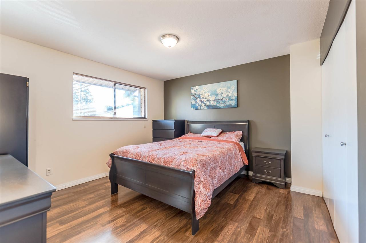 21550-cherrington-avenue-northwest-maple-ridge-maple-ridge-10 at 30 - 21550 Cherrington Avenue, Northwest Maple Ridge, Maple Ridge