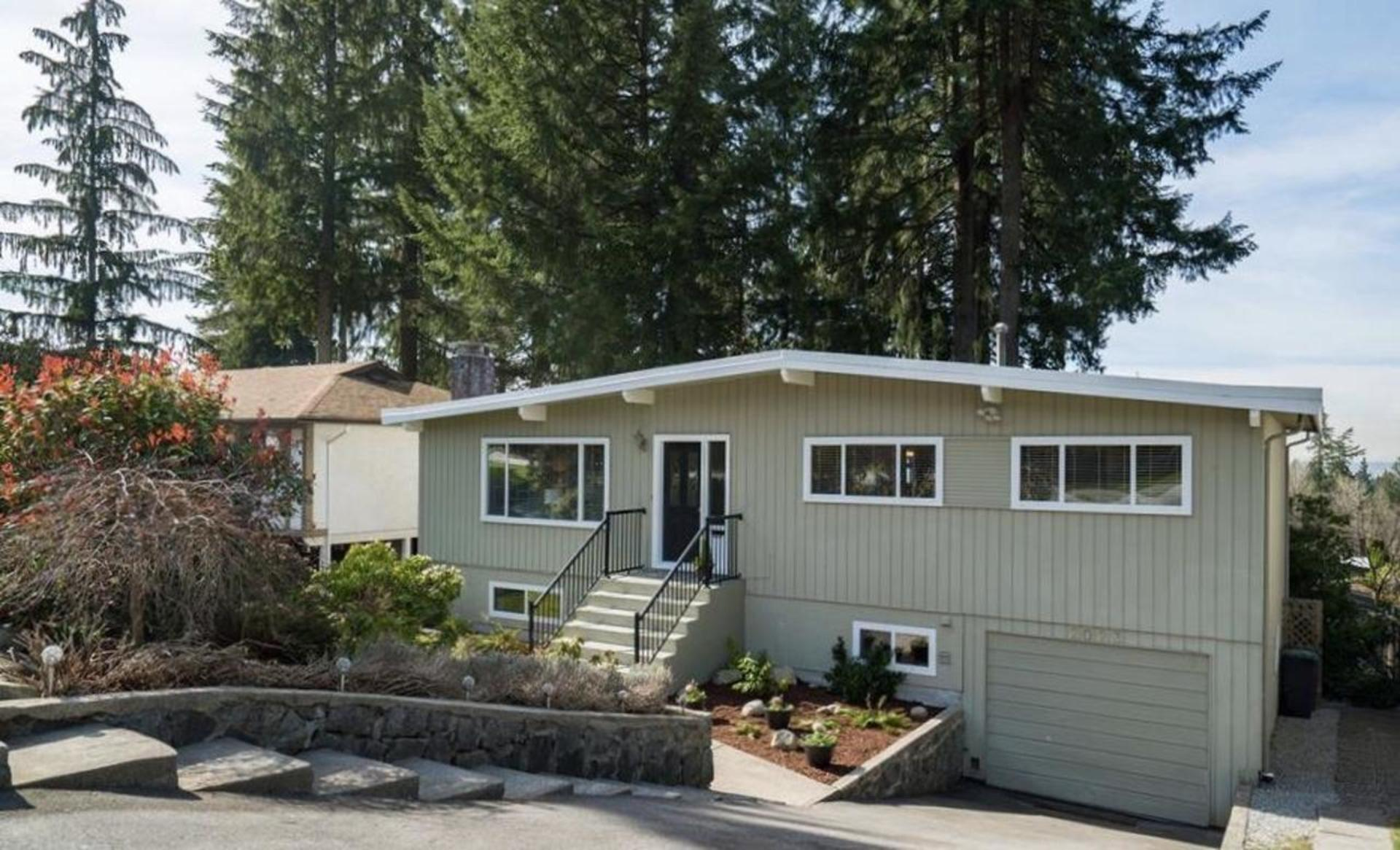 2023 Hyannis Drive, Blueridge NV, North Vancouver