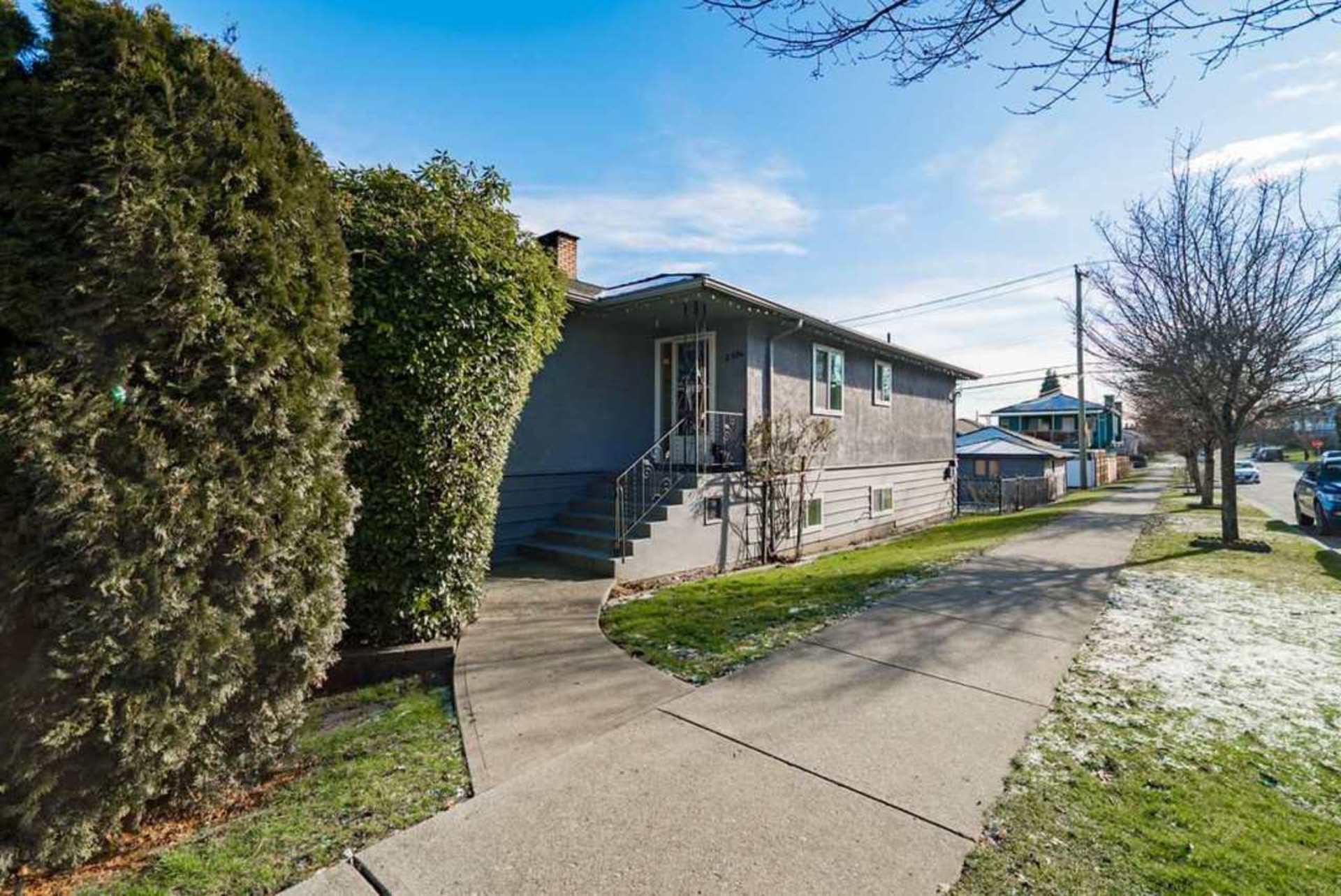 2504-e-1st-avenue-renfrew-ve-vancouver-east-19 at 2504 E 1st Avenue, Renfrew VE, Vancouver East